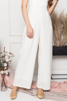 http://bestarck.com/resources/content/products/191012163515_vneckjumpsuitwhite3_tn.jpg