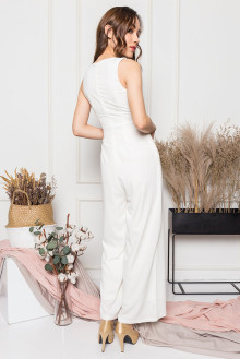 http://bestarck.com/resources/content/products/191012163515_vneckjumpsuitwhite5_tn.jpg